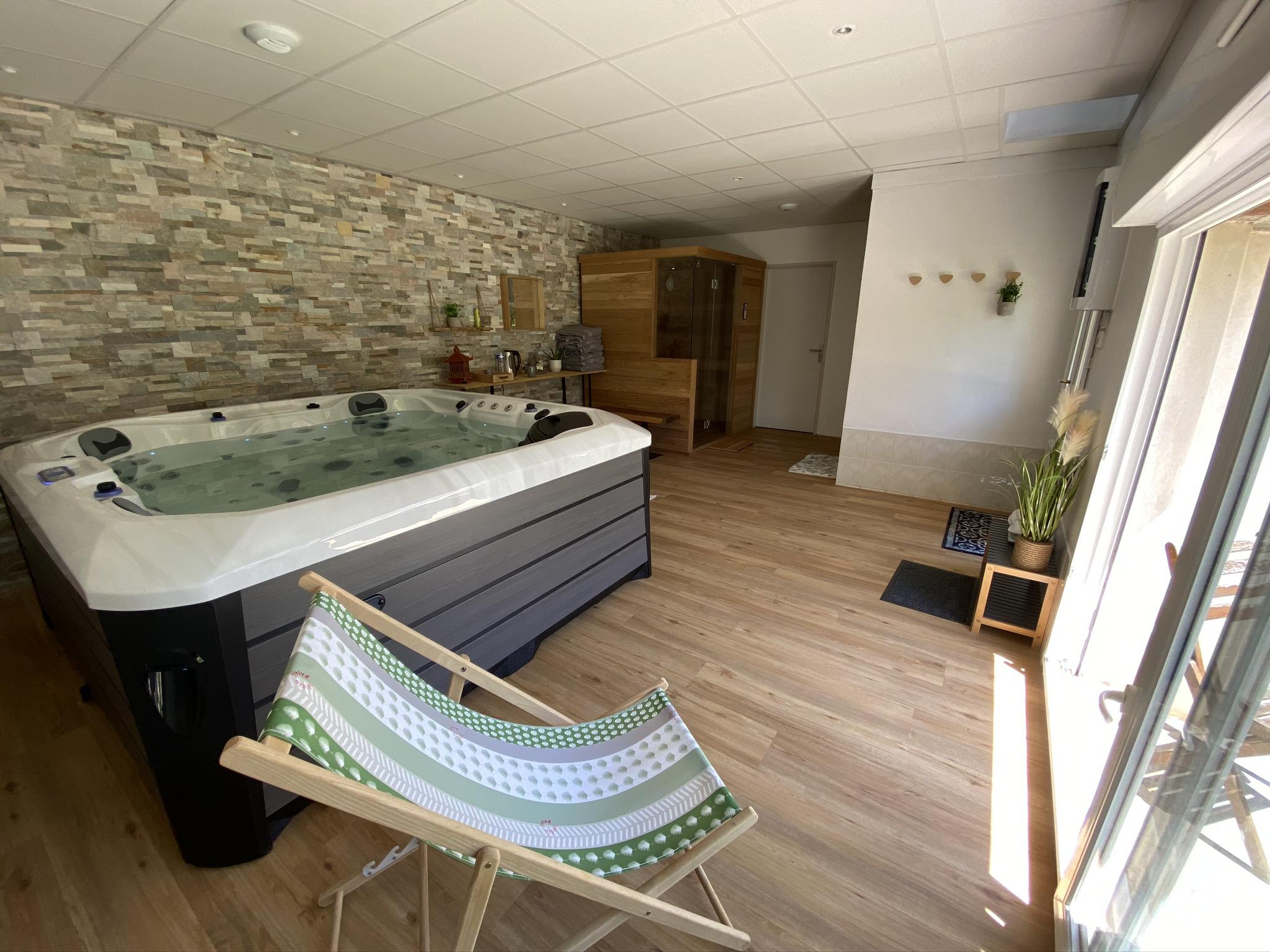 SPA - Montaillon Gîte et Chambres d'Hôtes - Sud Deux-Sèvres